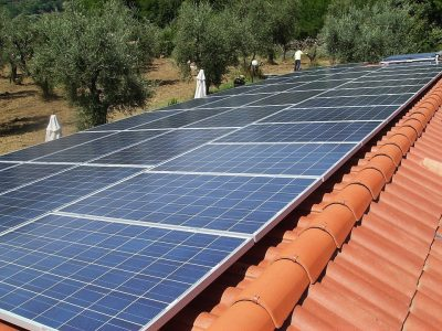 photovoltaic-system-2698109_960_720